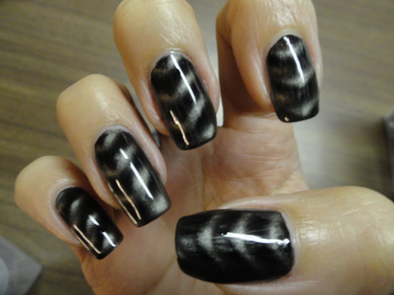 Nails Never Fails: NOTD Oct. 25, 2011 Layla Black Metal Magnetic ...