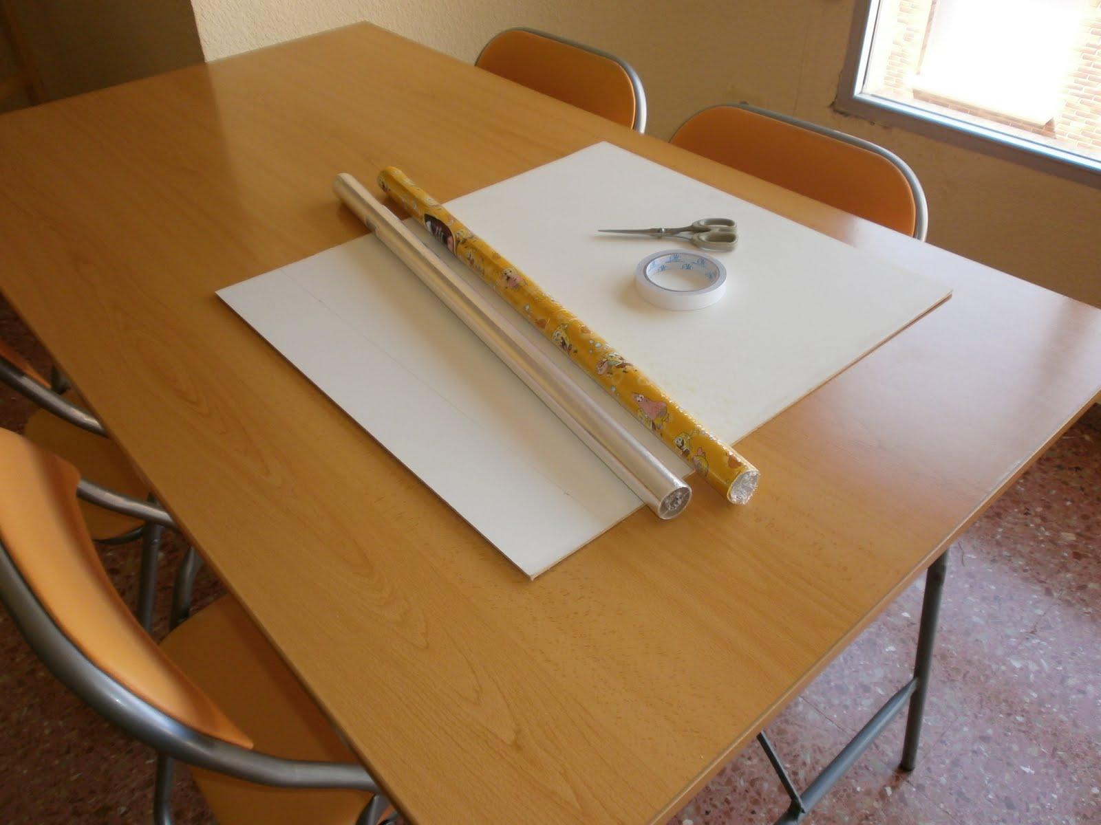 Manualidades decoraci n pintura pizarra bob esponja - Como quitar cinta adhesiva doble cara de la pared ...
