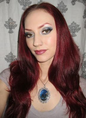 http://themoonmaiden-blix.blogspot.com/2015/04/blue-and-grey-eye-makeup-look.html