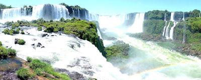 Cascadas Iguazú en Brasil para monitores duales 2560x1024