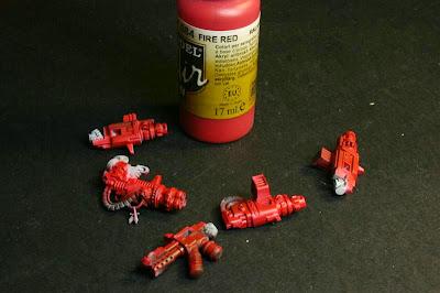 Fire Red de Vallejo Model Air en las armas pesadas