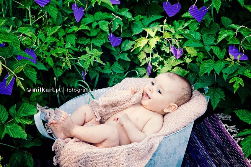 sesja zdjęciowa niemowlęcia, fotografia rodzinna, profesjonalne sesje zdjęciowe dzieci, artystyczne zdjęcia dzieci, fotograf Joanna Jaśkiewicz