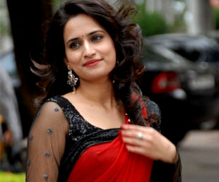 Tolly Is Not Encouraging Talented Heroine
