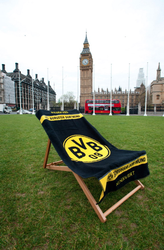 Dortmund place a deckchair outside the Big Ben