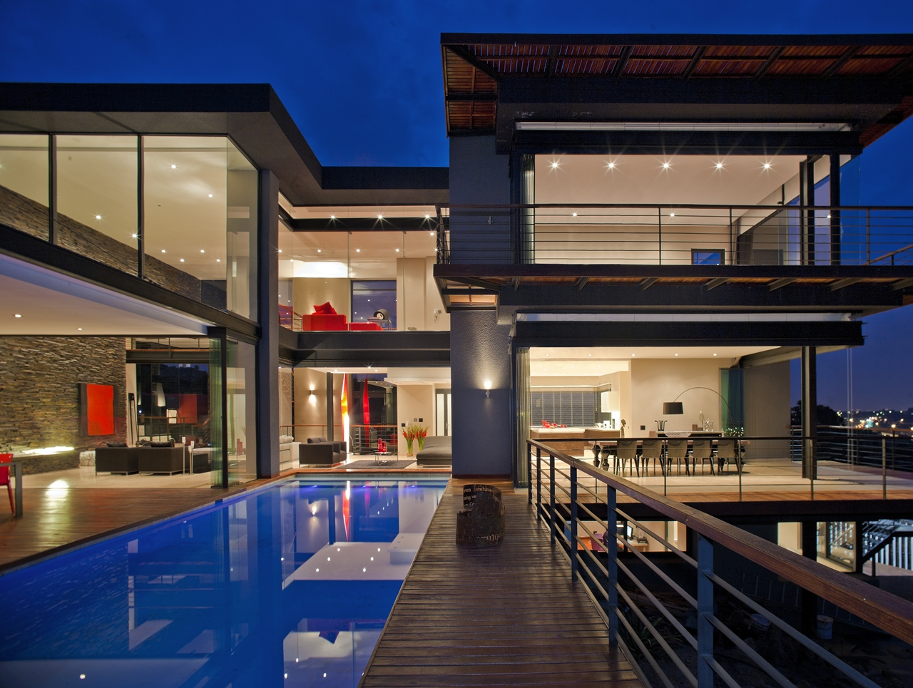 Mansions dream home called lam house by nico van der for Pool design johannesburg
