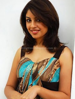 Richa gangopadhyay hot photos
