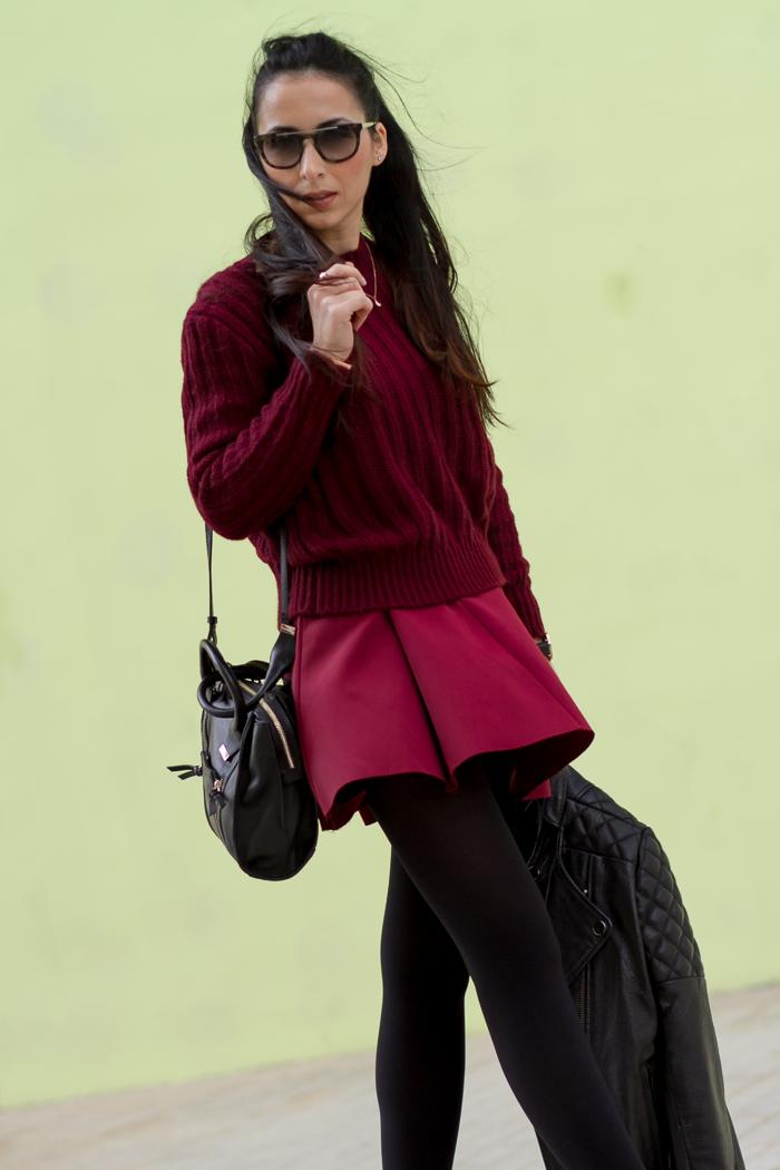 Look en granate total con gafas de sol Prada 13 PS Blogger moda valenciana WOWS