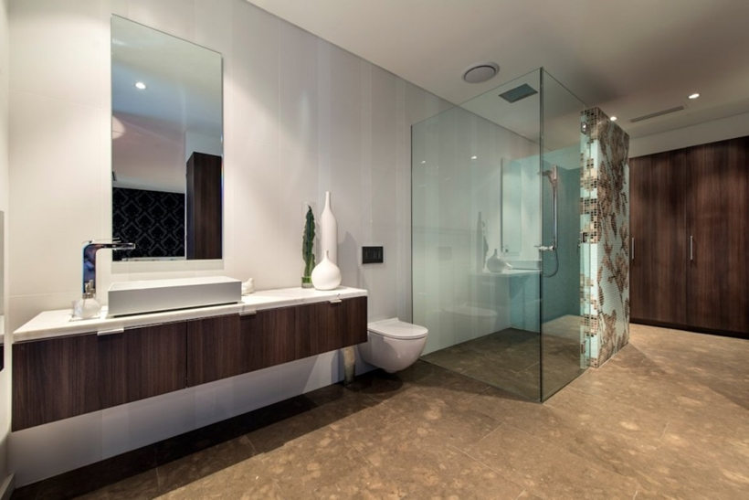 Modern bathroom by Urbane Projects