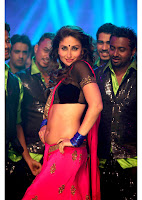 Kareena Kapoor Hot Cleavage Show