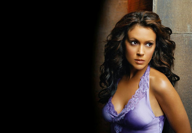 Alyssa Milano Wallpapers Free Download