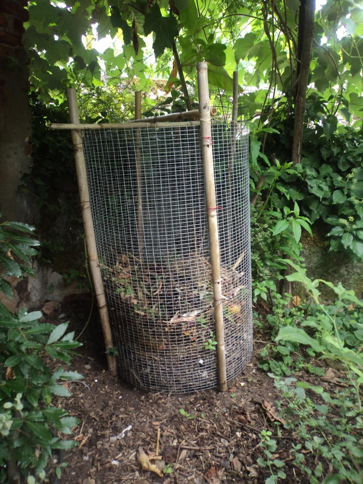 Orti ed erbe selvatiche nutrire la terra nutrire le piante for Compostiera da giardino
