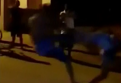 Lo Mata de una Patada