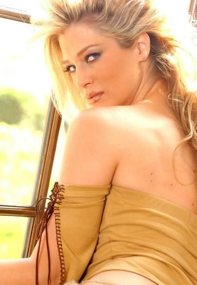 Amber Smith Image 03