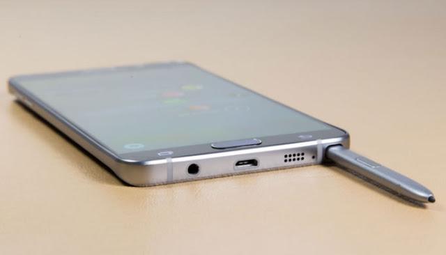 Cara mengeluarkan S-Pen Samsung Galaxy Note 5 yang tersangkut di dalam