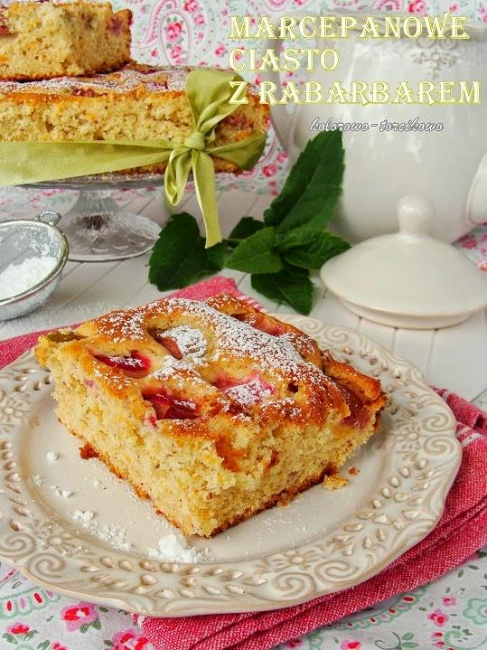 Marcepanowe ciasto z rabarbarem