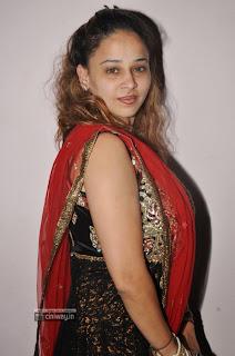 Actress-Ruhie-Shaiak-Latest-Stills