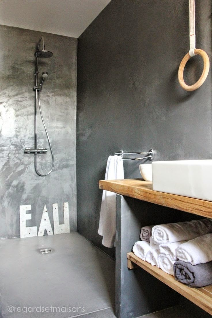 M chant studio blog bathroom time for Salle de douche bois