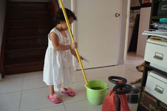 Kecil starting to mop