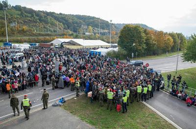 migráció, illegális bevándorlás, Ausztria, Spielfeld, illegális határátlépés, Szlovénia,