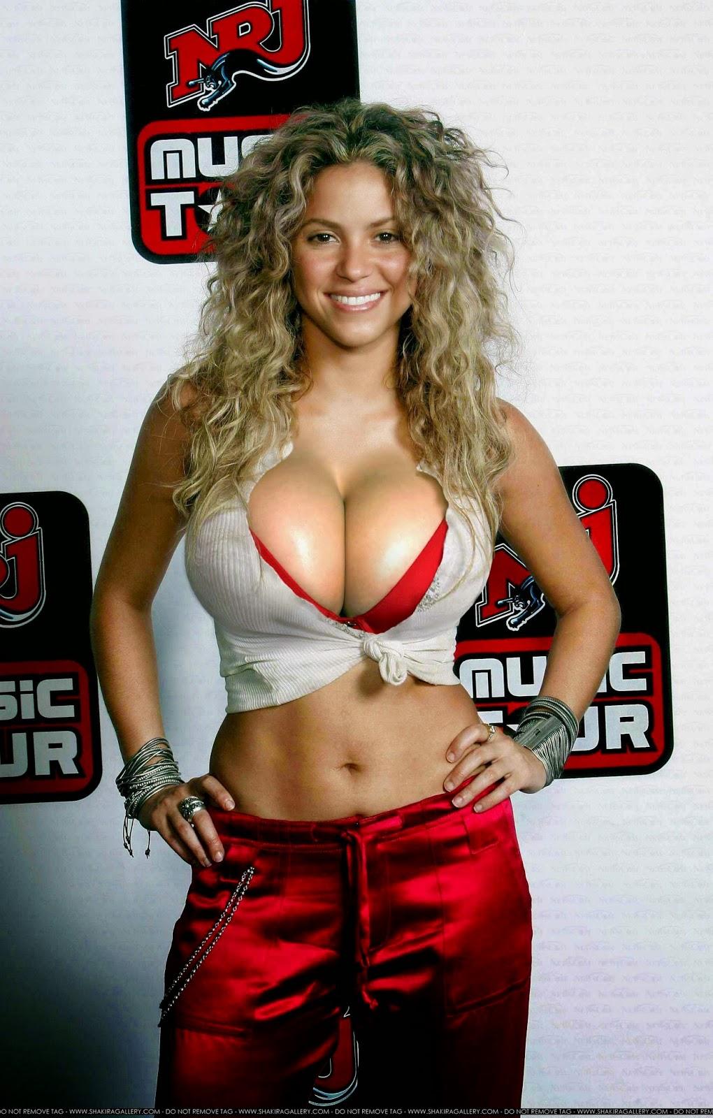 Tits shakira Shakira nude,