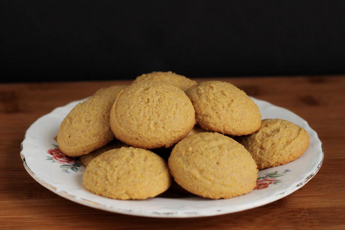 Cookistry: Honey Cornmeal Cookies