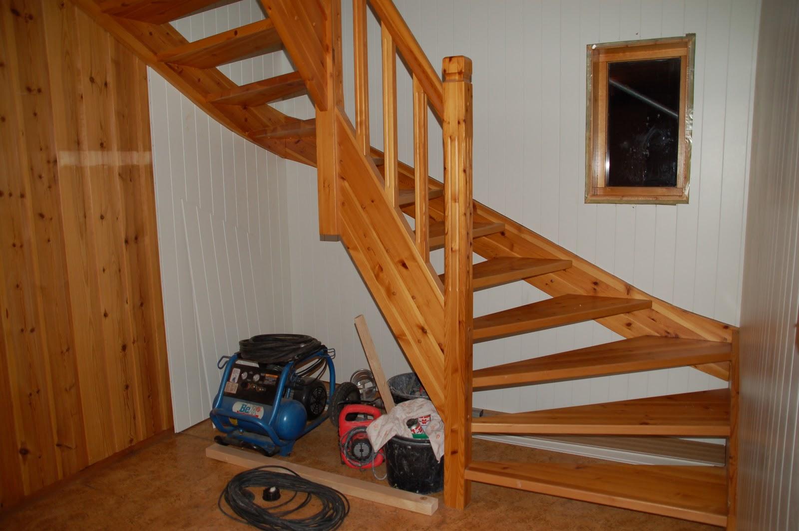 Dyrhaug gård: trappa og gangen