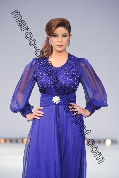 Leila hadioui caftan Bleu Royal