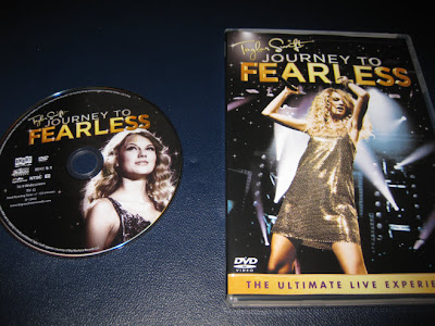 Taylor_Swift--Journey_To_Fearless_The_Ultimate_Live_Experience-DVD-2011-OMA