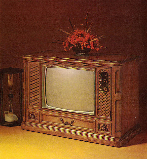 Color Tv From 1971 Vintage Everyday