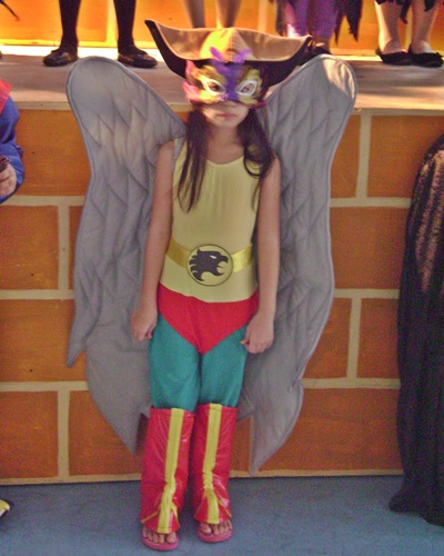 DIY halloween costume, hawk girl costume, costume girl
