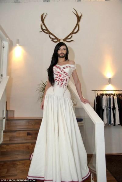 Conchita Wurst, transexual, satanica