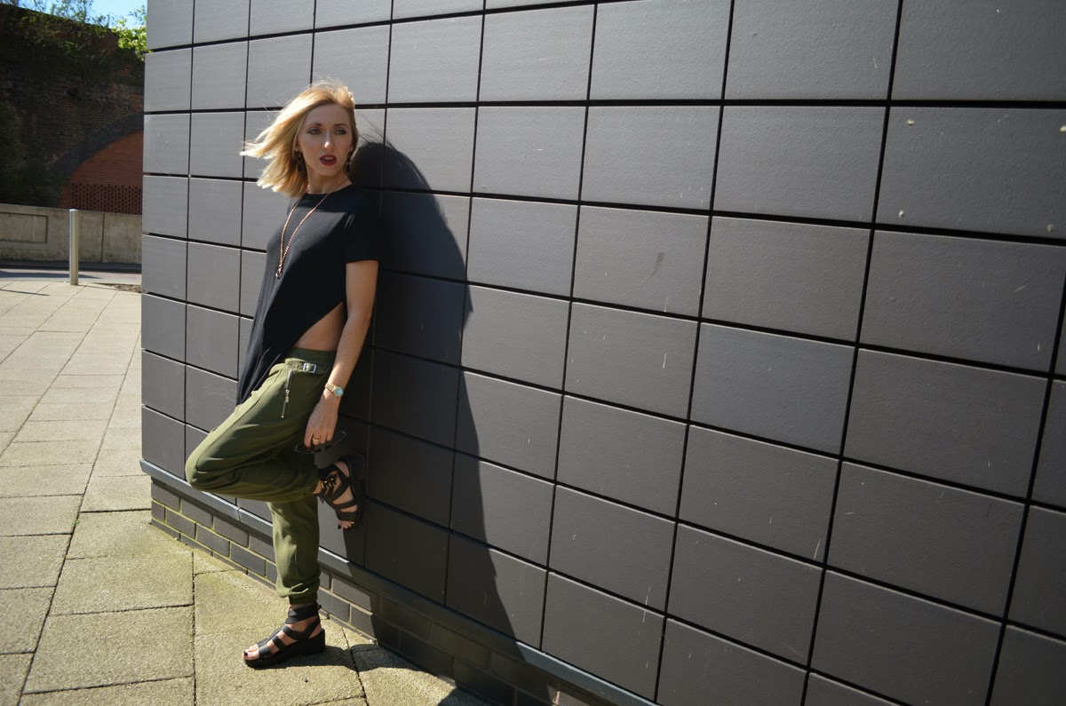 River Island Khaki and Black Outfit of the day