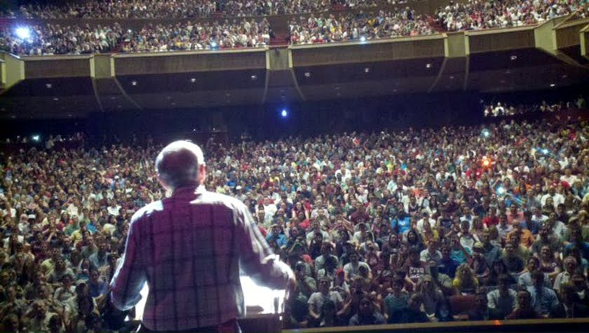 Ron Paul with 3,000 Texas voters