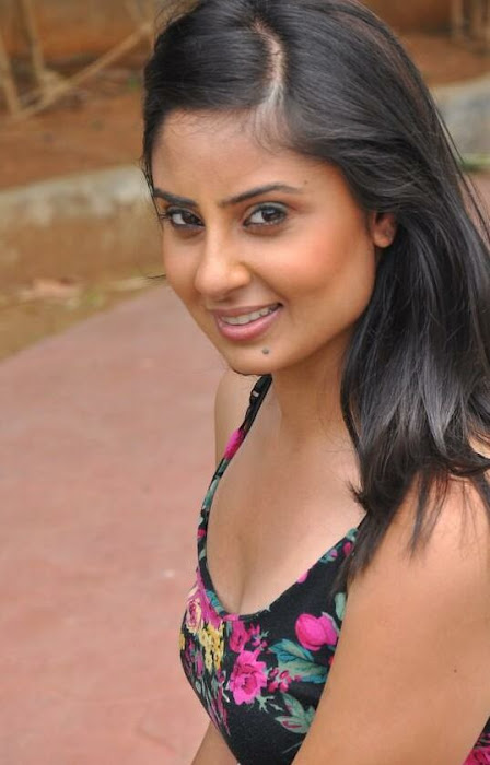 bhanusri mehra spicy in jeans - actress pics