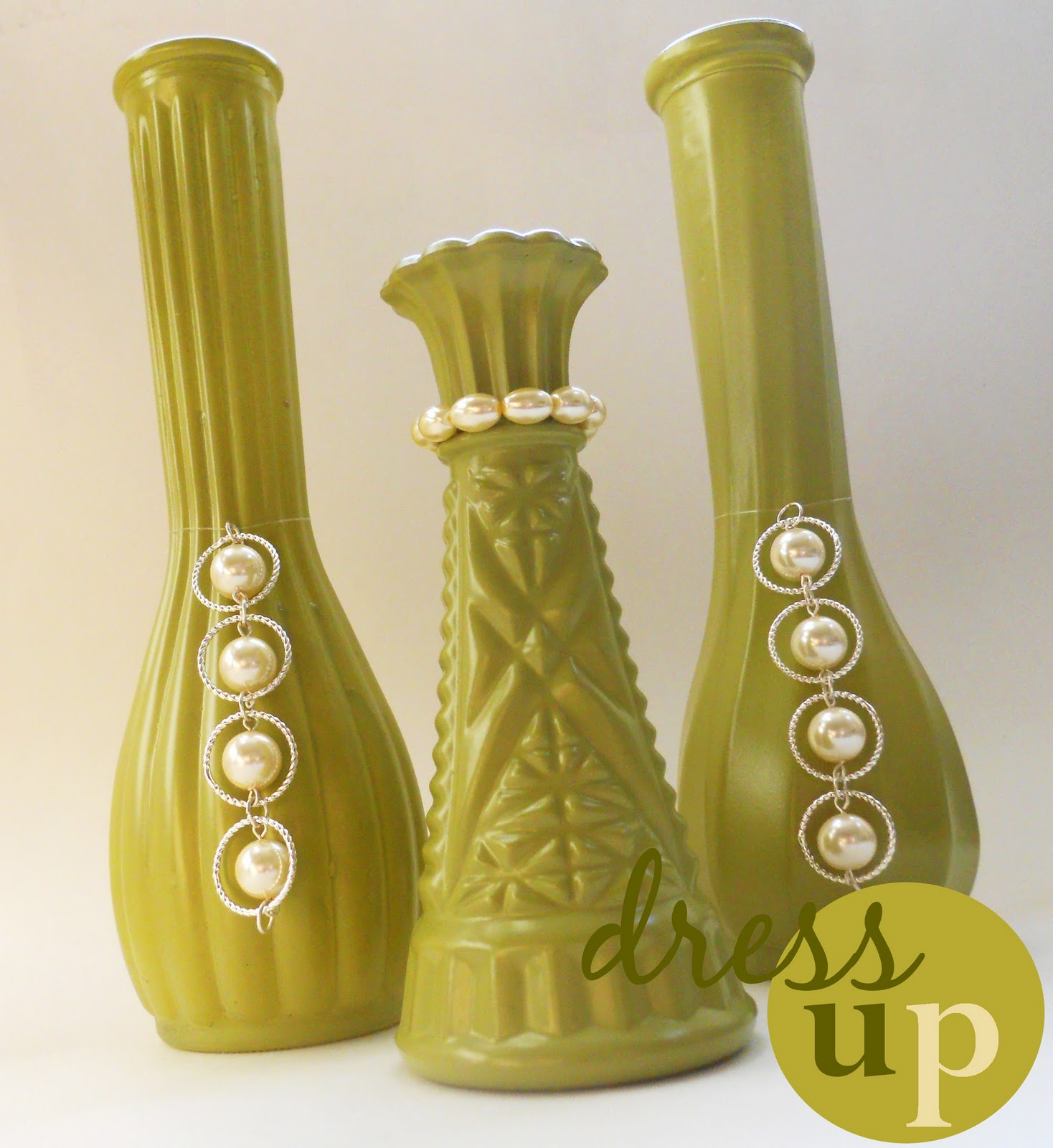 spray-painted-vases