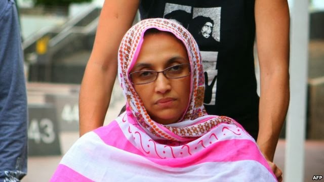 Aminatu Haidar compite con la esposa del Rey Mohammed VI