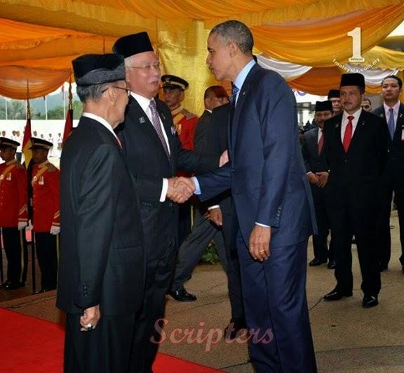 Gambar-Gambar Menarik Ketibaan Barack Obama Ke Malaysia