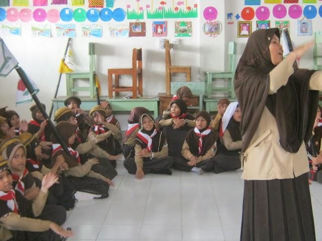 Tepuk 7 Akhwat: Latihan Pramuka