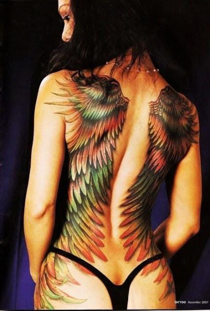 Mulheres Tatuadas - Tattoed Women - Tatuagens na costas