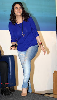 Preity Zinta Pictures in Skinny Jeans at Ishkq in Paris Promotion at Reliance Digital Store  0007
