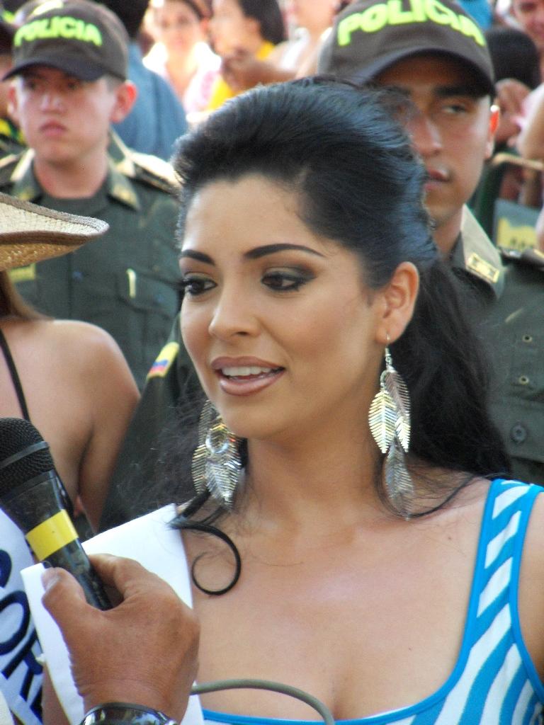 Neiva Huila Colombia: CANDIDATAS REINADO NACIONAL DEL BAMBUCO 2011