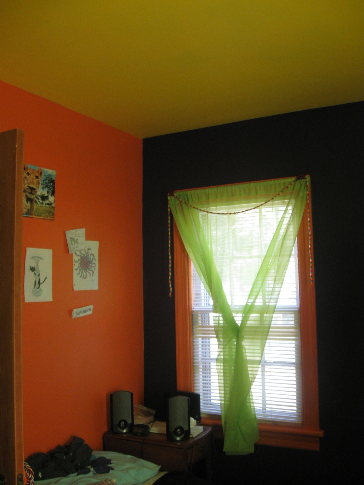 Colleen 39 s gluten freestyling - Curtains with orange walls ...
