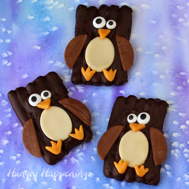 Chocolate Pretzel Penguins will warm your heart on a cold winter day. | HungryHappenings.com