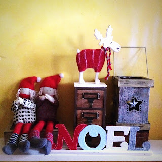 Christmas shelf display with decorations