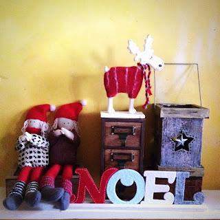Christmas shelf display with decorations
