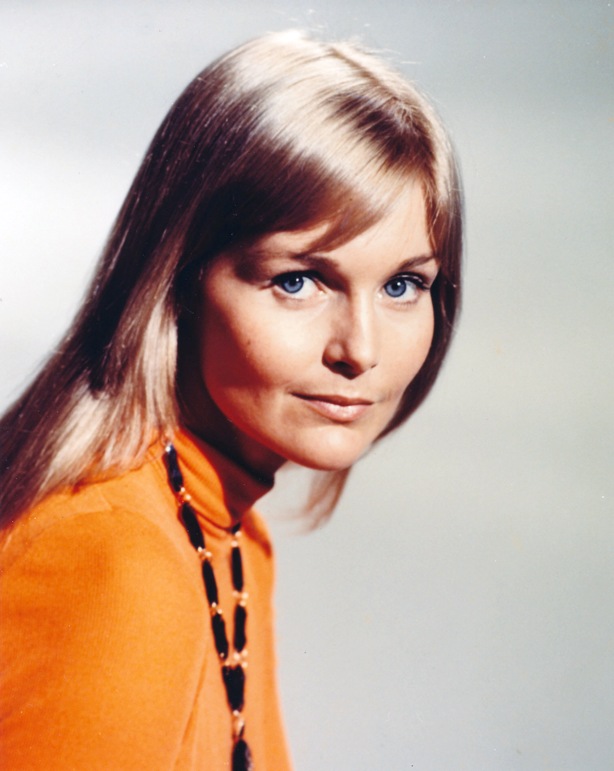 it s the pictures that got small the wednesday glamour 15 carol lynley
