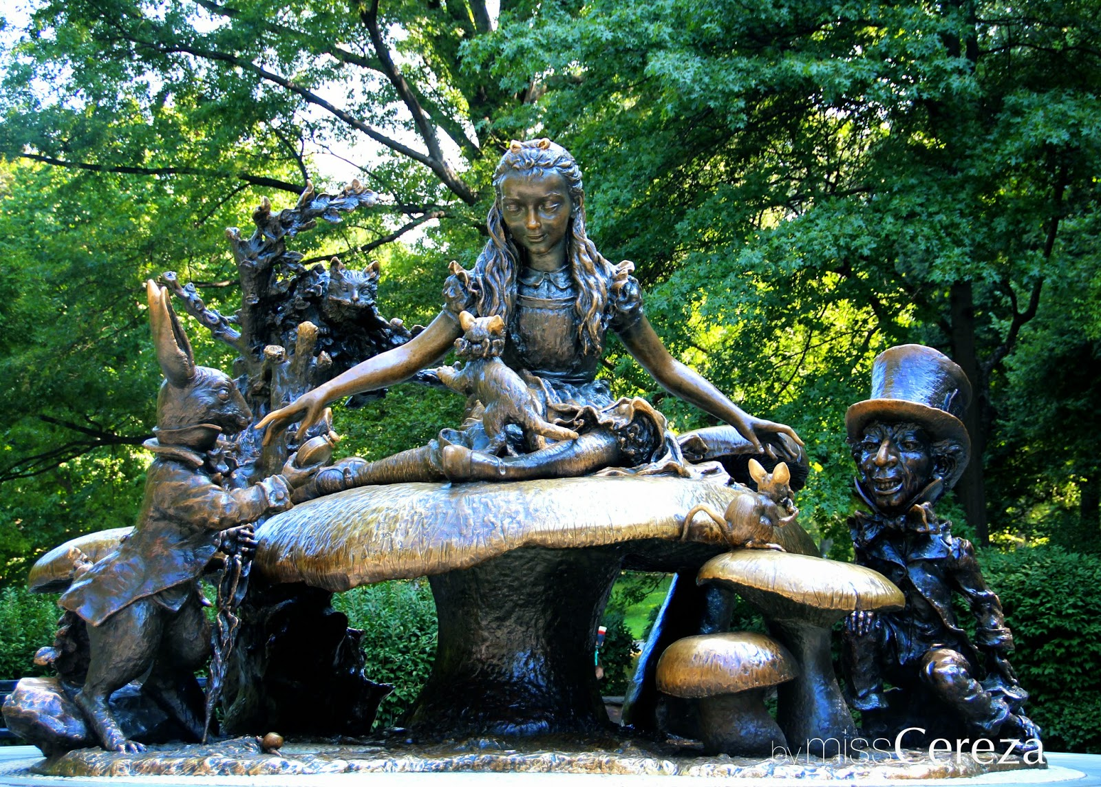 Alice in wonderland, central park, NY