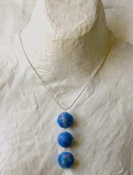 felt bead pendant by megu design