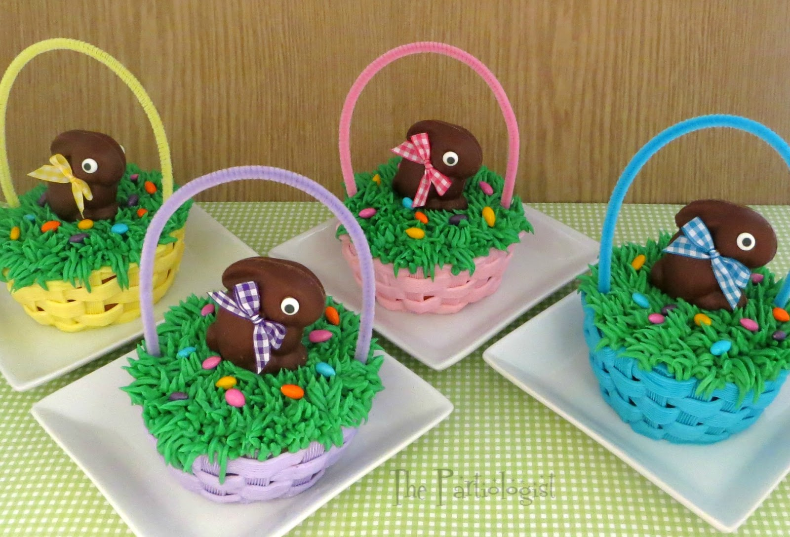 The partiologist mini easter cakes baskets bunnies negle Images