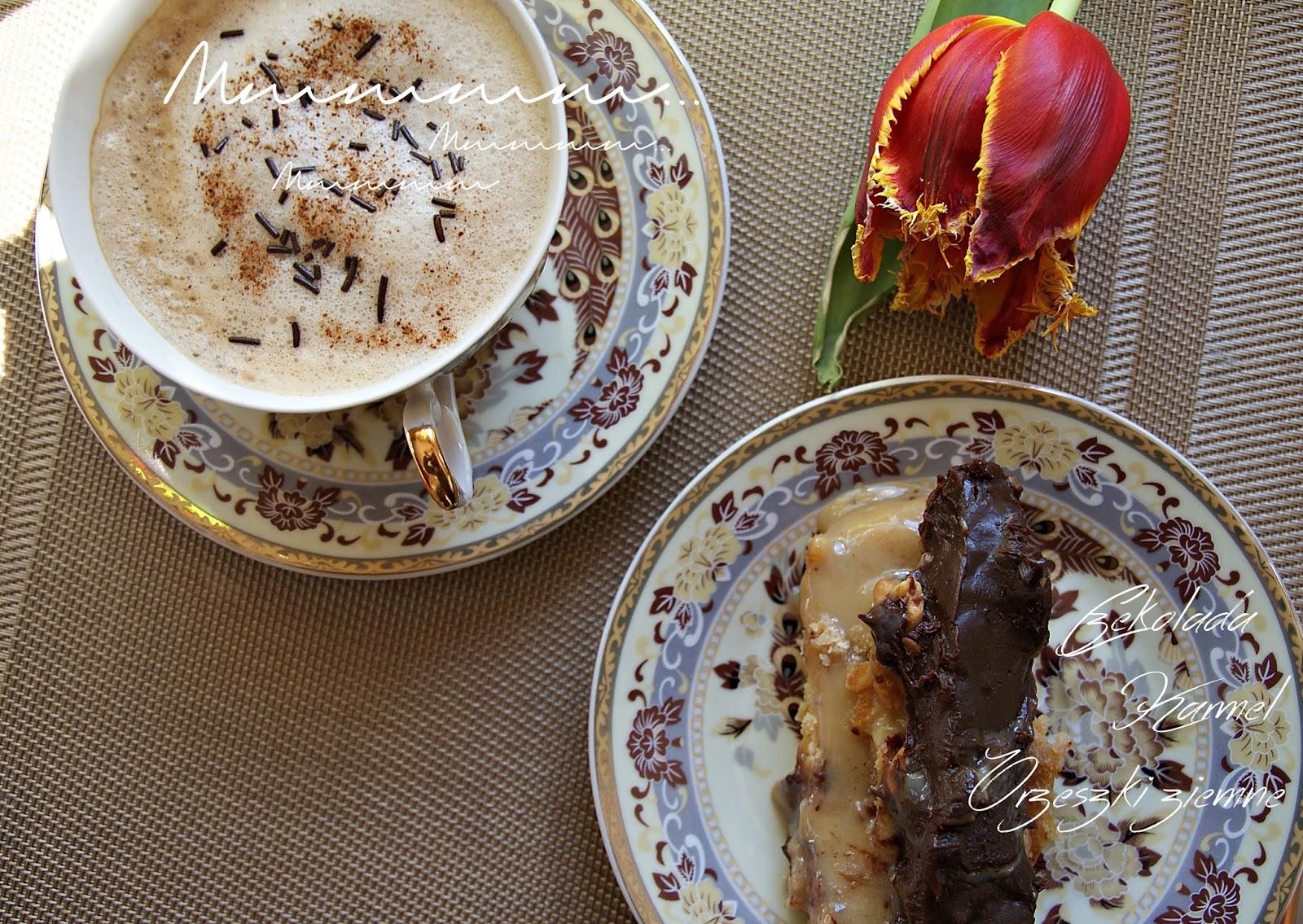 Do niedzielnej kawy... Czyli ciasto z czekoladą, karmelem i orzeszkami ziemnymi